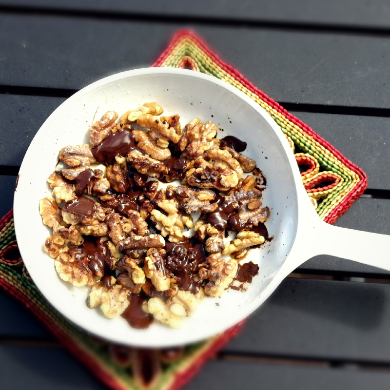 Paleo Snack with walnuts and chocoalte snack